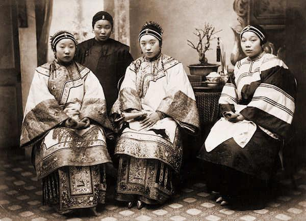 the secret life of empress in chinas dynasties The woman who 'ruled' china: what you didn't know about empress dowager cixi the former concubine, who effectively controlled country during late qing dynasty for nearly five decades, still divides opinion 109 years after her death.