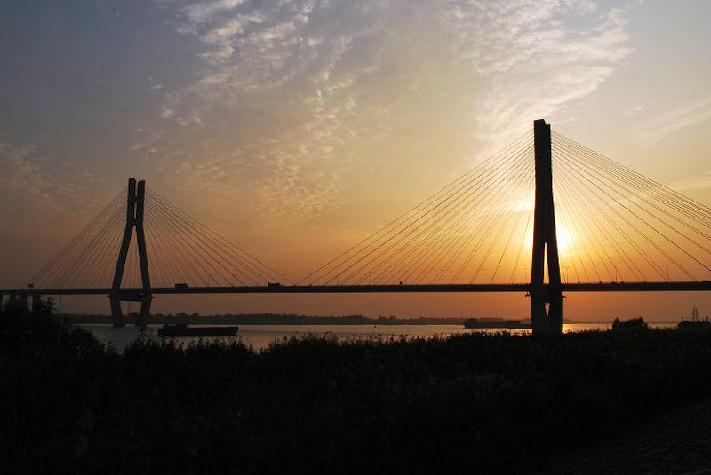 Yangzi Bridge, Yangzi River, river
